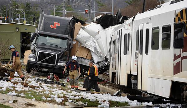Train Crash Car Maryland Railroad News...