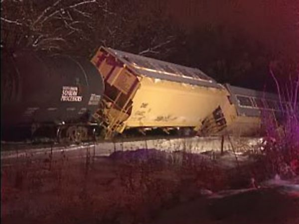 Union Pacific train derails near Rockview Missouri Jan 29, 2013