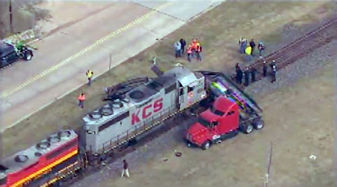 sugar-land-kcs-train-crash-with-semi-truck